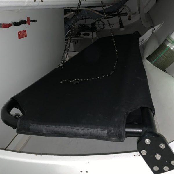dreamracerboats aménagement intérieur banette installée dans un bateau de course