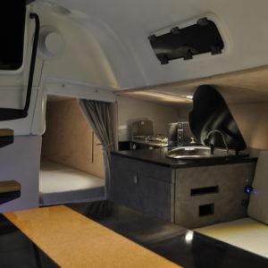 cuisine-bateau-agencement-aménagement-intérieur-course-croisière-Figaro
