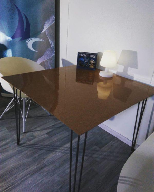table-liège-gloss-hautdegamme-décoration-intérieur