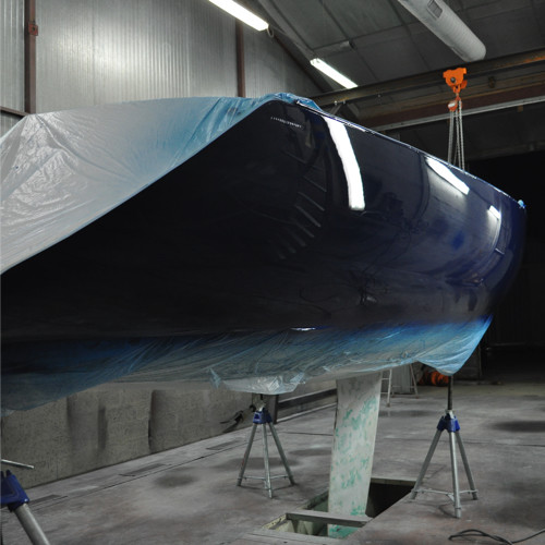 DREAM RACER BOATS peinture-coque-vernis-effet-miroir-yacht Solutions Techniques