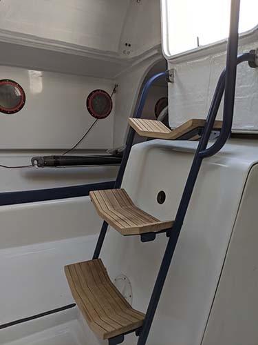 DREAM RACER BOATS interior-layout-companionway Refit of Figaro 2, Chou fleur Non classé
