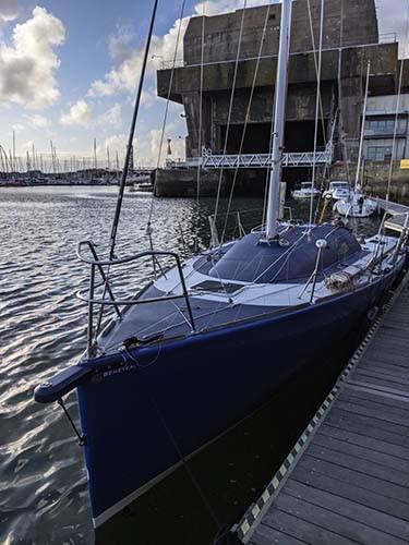 DREAM RACER BOATS refit-Figaro-peinture-pont-delphiniere Présentation du refit du Figaro 2, FRA 94 A la une Actualités